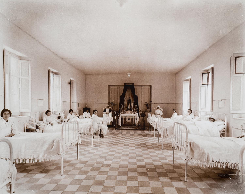 Tarragona. Institut d'Higiene. Sala amb llits | Vallvé Vilallonga, Hermenegild