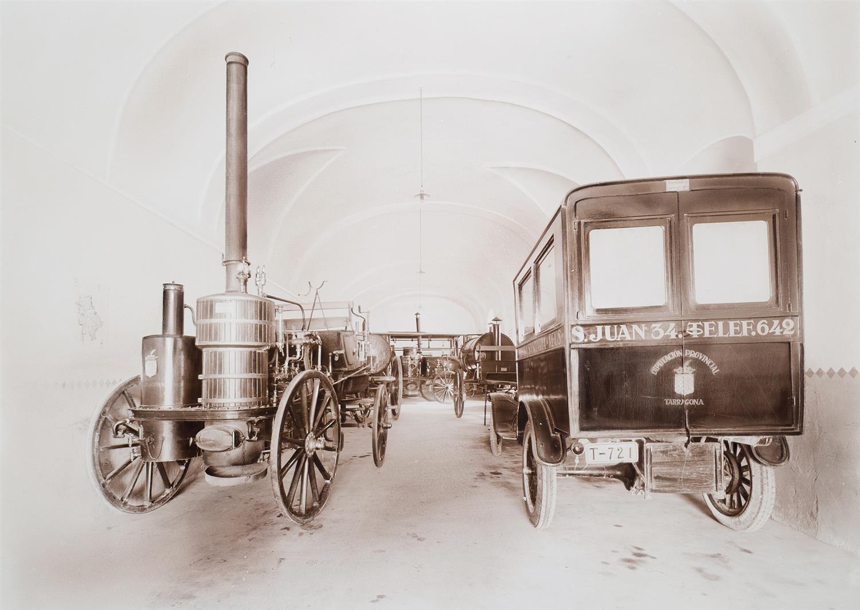 Tarragona. Institut d'Higiene. Garatge cotxe d'ambulància i estufa de desinfecció | Vallvé Vilallonga, Hermenegild
