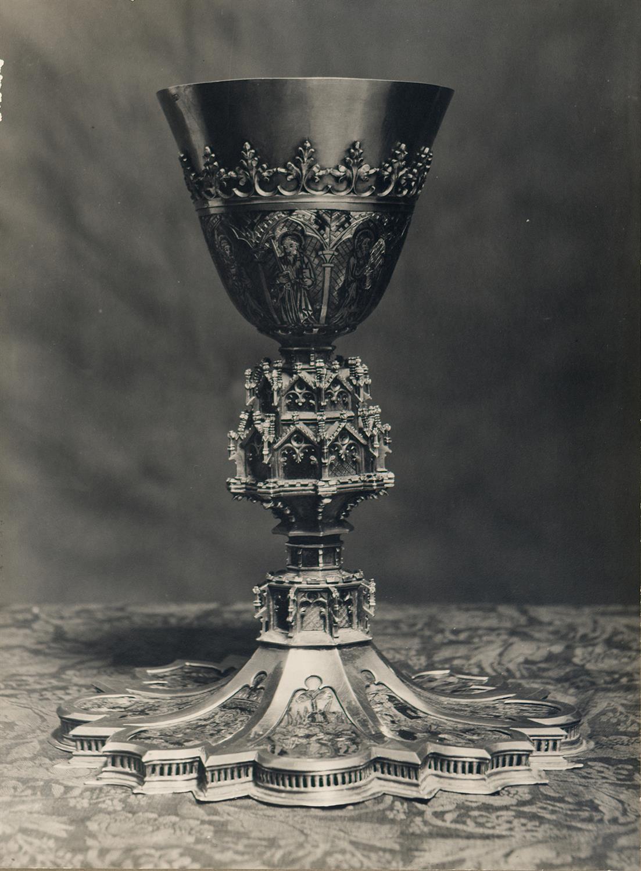 Tortosa. Catedral. Calze d'or i esmalts de Benet XIII   Borrell i Codorniu, Ramon (Tortosa, 1869 - 1948)