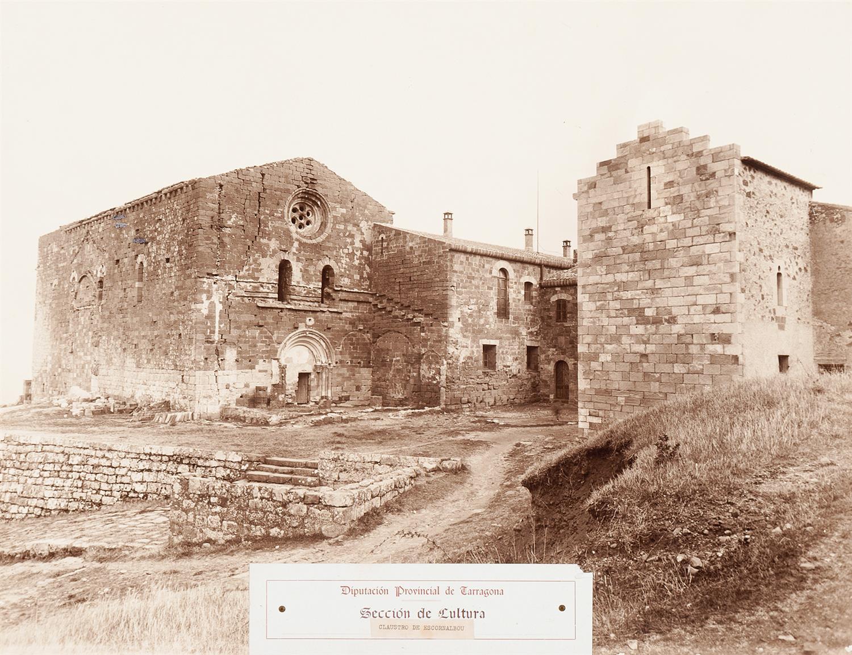 Castell d'Escornalbou. Claustre | Vallvé Vilallonga, Hermenegild