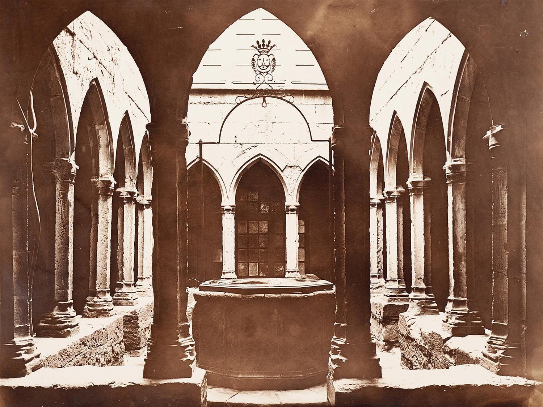 Montblanc. Antic Hospital de Santa Magdalena. Claustre | Vallvé Vilallonga, Hermenegild