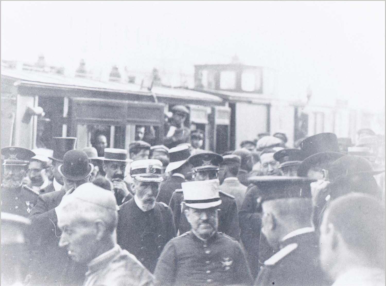 Tarragona. Arribada a l'estació del capità general Valerià Weyler i Nicolau | Vallvé Vilallonga, Hermenegild