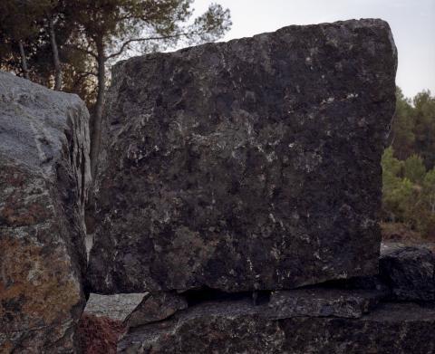 Pedra 6 | Vives, Lluís