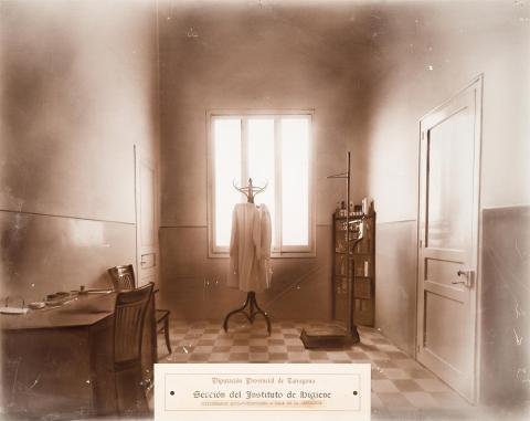 Tarragona. Dispensari antituberculosi. Sala de l'infermera. | Vallvé Vilallonga, Hermenegild