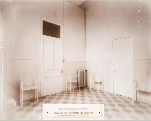 Tarragona. Dispensari antituberculosi. Sala d'espera | Vallvé Vilallonga, Hermenegild
