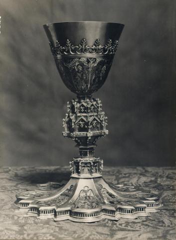 Tortosa. Catedral. Calze d'or i esmalts de Benet XIII | Borrell i Codorniu, Ramon (Tortosa, 1869 - 1948)