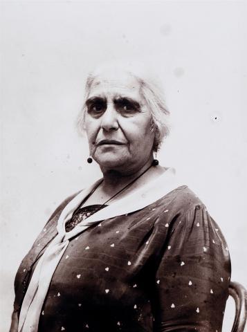 Doña Lucía Hernández Costa, mare de Julio Antonio | Vallvé Vilallonga, Hermenegild